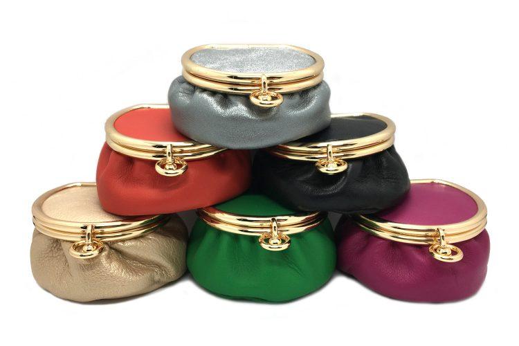 Ensemble des coloris Boite à bijoux ou Pilulier de voyage en cuir et ancien fermoir en or